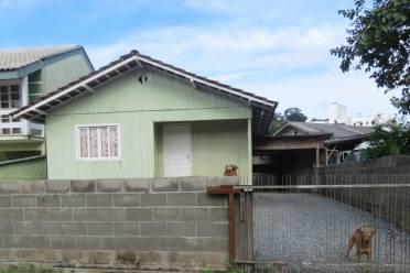 Casas - Casa na Rua São Pedro