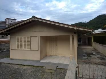 Casas - Casa Com 03 Quartos