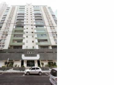 Apartamento no Centro de Balneário Camboriú, com 04 dormitórios (02 suítes)