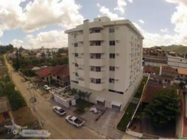 Apartamento no Bairro da Velha, com 02 dormitórios (01 suíte), 02 vagas e d
