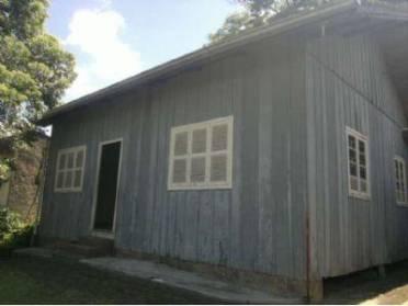 Casas - Casa de Madeira Com Aproximadamente 92,35m� Sem Garagem.