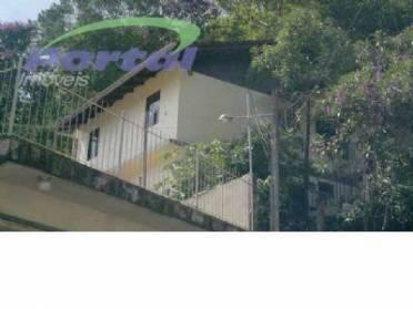Casas - Casa de Fundos no 2º Andar, Com 03 Dormitórios, Demais Dependências.