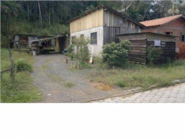 Terreno localizado no Bairro Testo Sato, com 438,00 m² de área total.