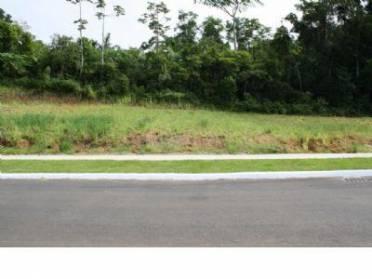 Terreno no bairro Água Verde, com 378,00 m² de área total.