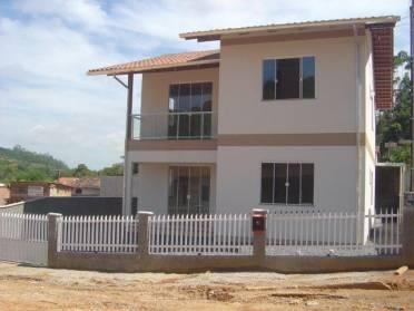 Casas - Casa Com 3 Quartos no Piso Superior Pr�ximo ao Lar Menino Deus Casa - Av. p