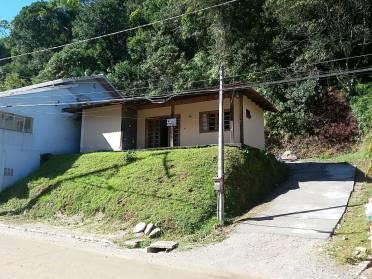 Casas - Casa de um Quarto no Bairro Azambuja!