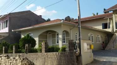 Casas - Casa 03 Qtos - Semi-mobiliada