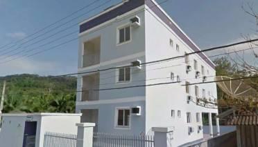 Apartamento 03 dormitórios sendo 01 suíte.