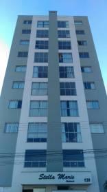 Apartamento 02 dormitórios sendo 01 suíte.