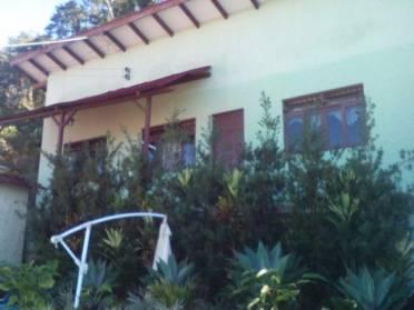 Casas - Casa de Alvenaria Com 01 Dormitório!