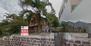 Casas - Casa em Ótima Localização Com 01 Dormitório.
