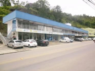 Salas - Sala na Rua Azambuja Itacolomi