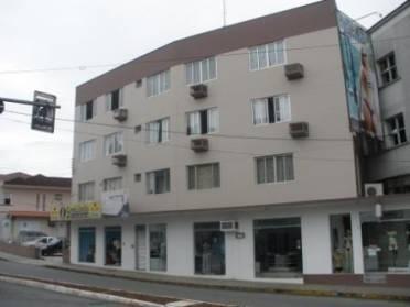 s - Kitnet no Centro Lúcia Biquinis