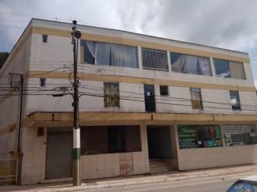 Apartamentos - Kitnet no Bairro Azambuja