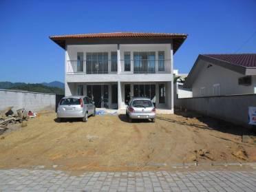 Apartamentos - Apartamento Novo no Centro de  Guabiruba Piso Inferior
