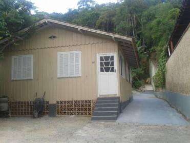 Casas - Casa 3 Quartos na Primeiro de Maio