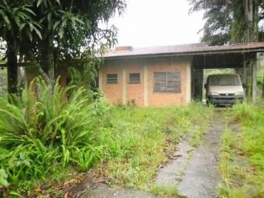Casas - Ch�cara Com Piscina e Lagoa no Bairro Volta Grande