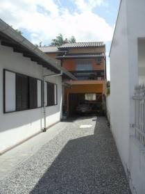 Casas - Casa Com Cozinha Semi-mobiliada na Santa Rita