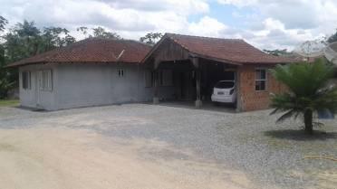 Casas - Casa Com 3 Dormitórios no Aymoré - Guabiruba