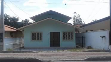 Casas - Ampla Casa na Guabiruba Com 5 Quartos