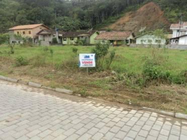 Terreno com 1.446,22m� no centro de Guabiruba
