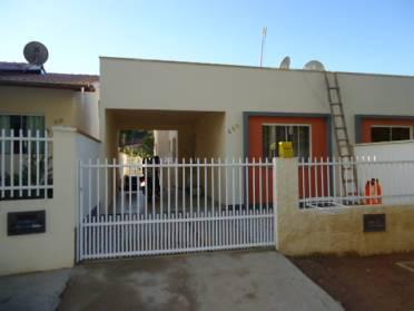 Casas - Casa Geminada - Bairro Guarani