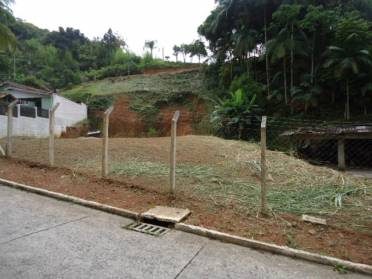 Terrenos - Terreno Amplo no Bairro Azambuja