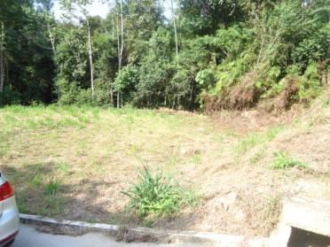 Terrenos - Oferta > Terreno Amplo de Esquina - Prox. Área Verde