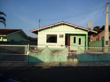 Casa 3 dormitórios, 2 vagas de garagem