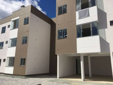 Apartamentos - Oportunidade no  Lot. Jardim Bromelias