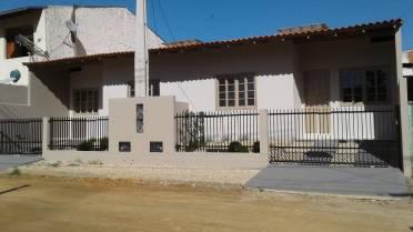 Casas - Casa Geminada em Dom Joaquim -  Toda Reformada