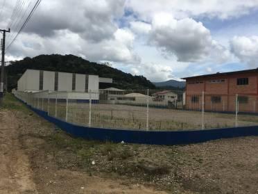 Terreno frente para Rodovia Ivo Silveira