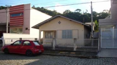 Casas - Casa Com Amplo Terreno