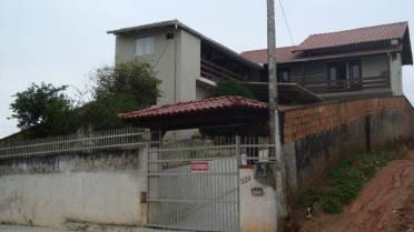 Casas - Ampla Casa de Alvenaria