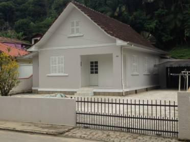 Casas - Casa Com Ótima Localização